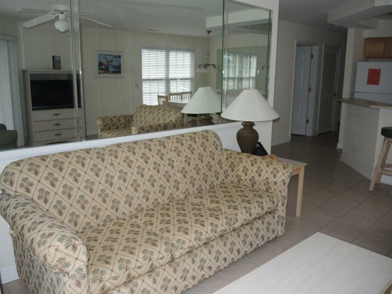 3007 2 Bedroom/2 Bath Villa