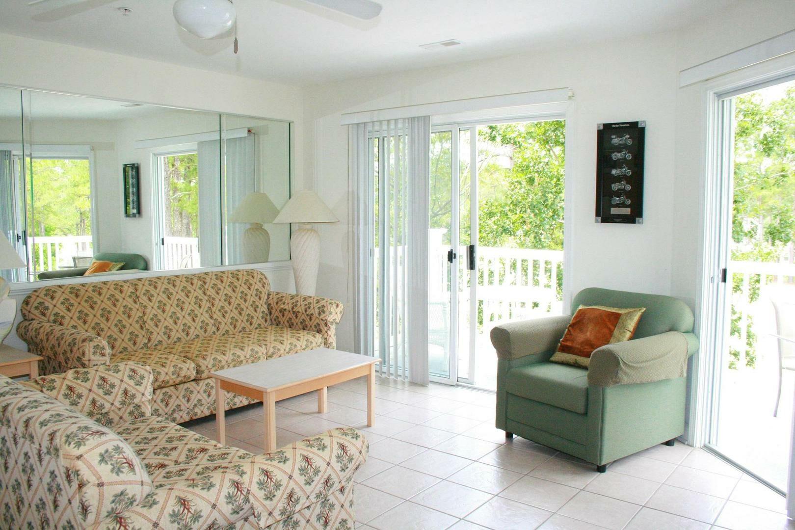 2109 2 Bedroom/2 Bath Villa
