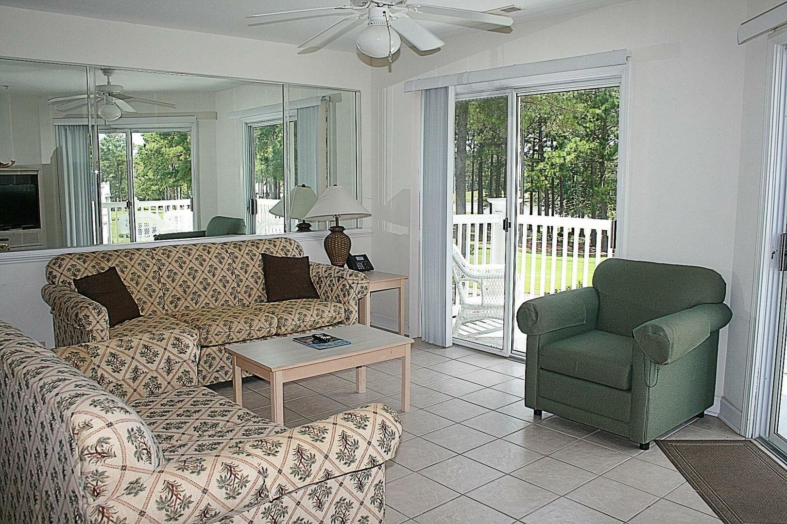 3009 2 Bedroom/2 Bath Villa