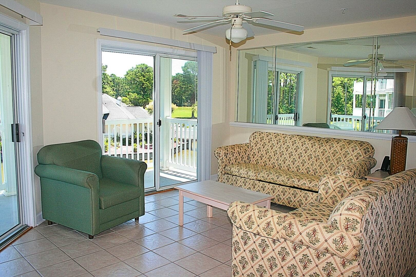 2404 2 Bedroom/2 Bath Villa