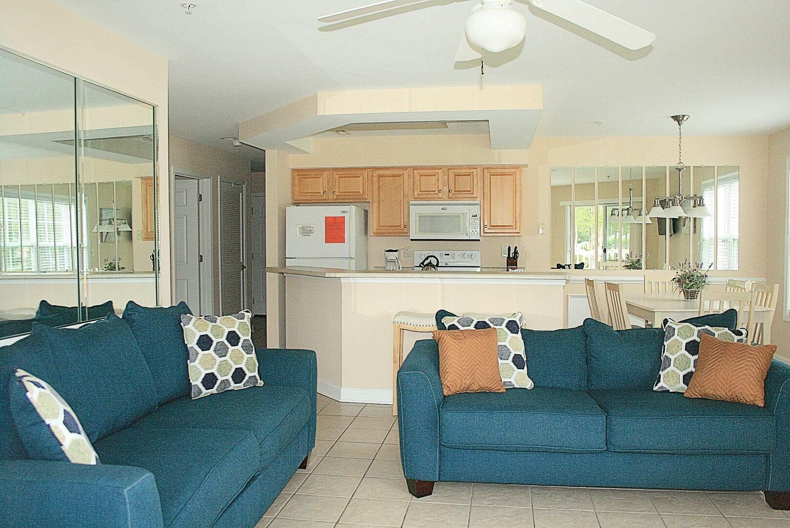 2304 2 Bedroom/2 Bath Villa